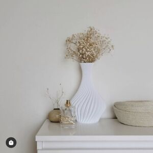 Twirl Vase   By NewChapterNewHome   Nordic Modern Home