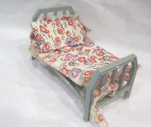 """Tootsie Toy Cast Metal Doll Bed 1 3/4"""" x 3 1/2"""" 1940's Dollhouse Furniture"""