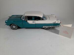 Franklin Mint 1955 Pontiac Starchief 1:24 Turquoise Blue & White Die-cast Car