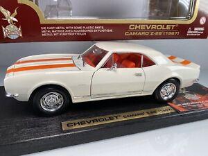 Yat Ming Road Legends 1967 Chevrolet Camaro Z-28 1:18 White Diecast Car