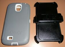 OtterBox Defender case for Samsung Galaxy S4, Gray & White + Holster Belt Clip