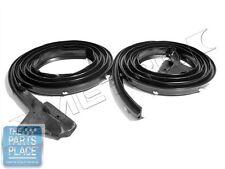 1967-72 Mopar A Body Door Weatherstrip Seal Pair - LM23C