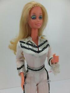 Vintage 1980s WESTERN BARBIE Winking Doll 1757