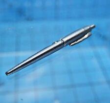 Sideshow 1:6 Terminator 2 T-1000 Figure - Pen