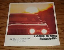 Original 1968 Oldsmobile Sports 4-4-2 Cutlass Toronado Sales Brochure 68