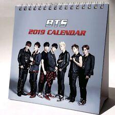 BTS 2019 Desktop Kalender Büro + GESCHENK 3 Stück Aufkleber Bangtan Boys K-Pop