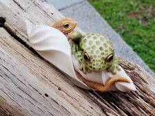 Harmony Kingdom Artist Adam Binder Tree Top Tag Ii Green Frog & Gecko Entwined