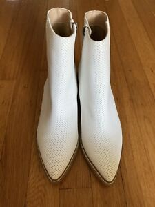 NWOB MI.IM ROOLEE WHITE PERFORATED ANKLE BOOTIES 6.5 SOLD OUT
