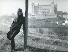 CLAUDIA CARDINALE 1964 VINTAGE PHOTO ORIGINAL CANDID