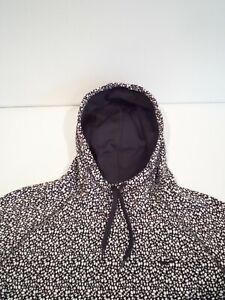 Nike Women's Therma-Fit Sweatshirt Size Medium White Black Hoodie Top 685461-100