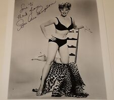 SUE ANE LANGDON /  8 X 10  B&W  AUTOGRAPHED  PIN-UP  PHOTO