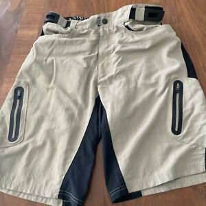 "ZOIC MP3 Bicycling Taupe 11"" Cycling Shorts Stretchy Pockets Taped Pockets sz L"