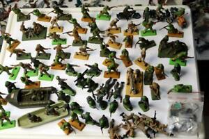 Britains  Deetails lot of USA WW2 Soldiers Boats Motor Cycles Accessories