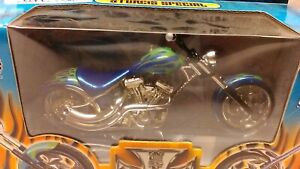new1:18 scale model MotorCycle by Muscle Machines Sturgcis Special MotorCycl blu