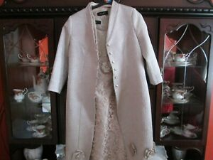 Mother of the Bride wedding outfit size 14 to 16 Carla Ruiz