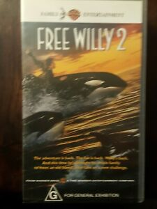 FREE WILLY  2    VHS Video Tape
