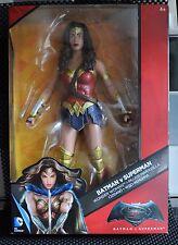 """DC BATMAN JUSTICE LEAGUE Multiverso Wonder Woman DKV13 in scatola 12"""" Action Figure"""