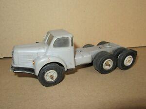 377P Miniatures Norev Plastique France Tracteur TBO 15 Berliet Gris 1:43