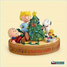 2006 Hallmark Peanuts Magic Ornament Deck The Halls Charlie Brown