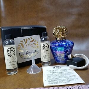 La-Tee-Da Effusion Fragrance Blue Tapered Glass Oil Lamp Round Crown Gold Aroma