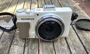 Olympus XZ-2, super sharp f1.8-2.5 zoom - Excellent condition