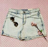 "Women's High-Rise Jean Shorts Universal Thread Light Wash size 8 w/ 4"" inseam"