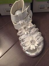 New In Box Girls Toddler Sandals White Size 5