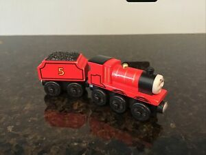 THOMAS THE TRAIN WOODEN RAILWAY JAMES WITH TENDER 2002. ..EXCELLENT SHAPE