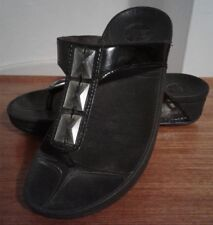 FitFlop Thong Sandals Size 7 Black with Rhinestones