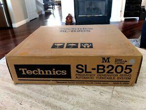 NOS - Technics SL-B205 belt semi-automatic turntable