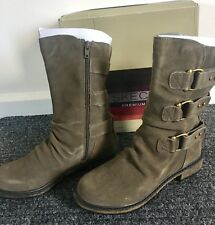 Skechers Horseshoe Boots Size 5.5 Suede olive