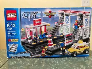 LEGO 7937 CITY TRAIN STATION - FACTORY SEALED, BOX DAMAGED
