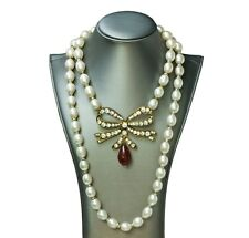 CHANEL 1970's Gripoix Pearl Bow Necklace
