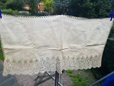Vintage/Antique Embroidered Linen Cloth with Lace Edge