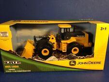 Ertl 1:50 Scale JOHN DEERE WHEEL LOADER #37013 New in Box Combine Shipping!