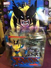 X-MEN CLASSICS BATTLE RAVAGED WOLVERINE NOC 2000 MARVEL TOYBIZ RARE!