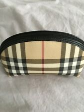Small Burberry make up case BN without Tags