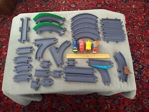 Chuggington trains 32 pc lot Wilson, Brewster, Snow Plow, Musical Car & Track
