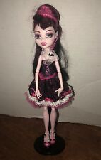 Monster High Sweet 1600 Draculaura Doll W/ Stand