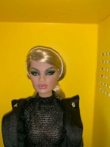 "Fashion Royalty  ""NYFW"" Karolin S. Doll"