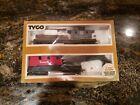Vintage Tyco HO Santa Fe Operating Crane Car With Boom Tender With Box #932