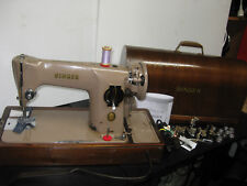 ORIGINAL SINGER 201 ELECTRIC KNEE LEVER SEWING MACHINE, WITH WOODEN CASE.