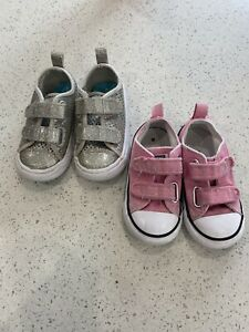 Girls Infant Size 6 Converse - 2 Pairs