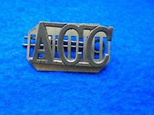 1 X ARMY CATERING CORPS BRASS SHOULDER TITLE + PLATE & PIN