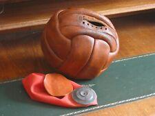 Alter Leder Fußball  Vintage Sport um 1950 eher früher im Originalzustand