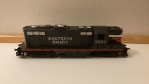 Lionel Southern Pacific 5600 Diesel Locomotive H O Gauge