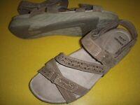 Earth Origins Westfield Wendy Suede Adj. Sport Sandals Women's 7 M Brown 7M