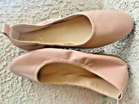 VINCE CAMUTO WOMEN'S BEIGE PATENT LEATHER BALLET FLATS SHOES SIZE 8  EUC