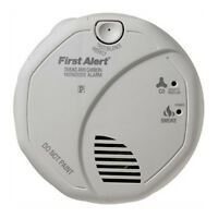 First Alert SCO5CN Combination Smoke and Carbon Monoxide Alarm Battery Operated
