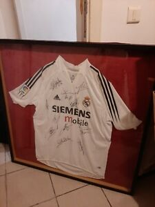 REAL MADRID DREAM TEAM SIGNED JERSEY Signature from ZIDAN+RONALDO+KAKA+RAMOS+BEN